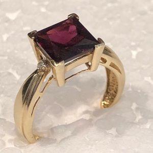10KT Yellow Gold Garnet Diamond Ring 7.5
